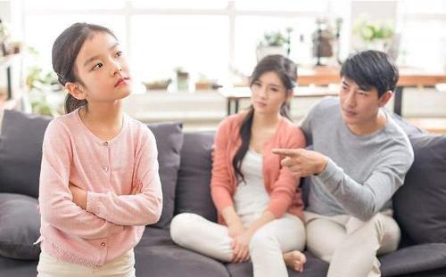 孩子害羞胆小不敢跟人说话怎么办?